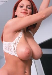 http://img28.imagetwist.com/th/14583/7xciv01l0hxi.jpg