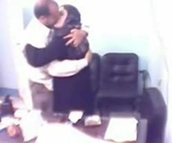 شرموطة محجبة شغالة فى مكتب مدير  يقفش فية   وتقوله لا مش هنا
