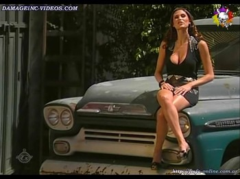 Natalia Zambianchi hot legs in mini skirt