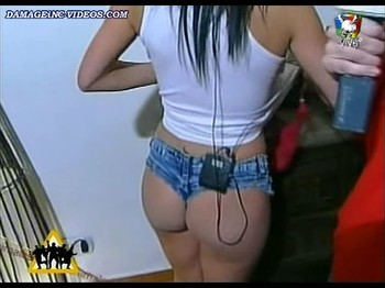 Mariana Diarco hot bubble butt in shorts