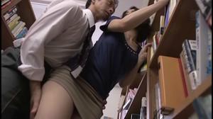 JUX-730 Married Librarian Molester Train sc2