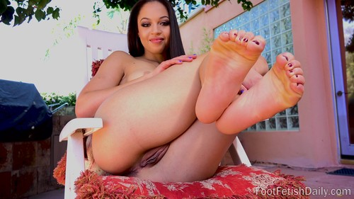 foot fetish daily - Karissa Kane Living Photos, Barefoot Confidential, High Def Movies 11.05.17-1080p