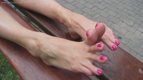 Eliza's bare feet