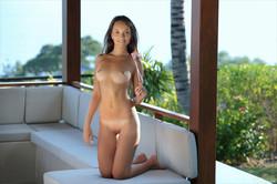 Catalina-Island-Girl--n6qob436jd.jpg