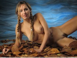 Corinna-Arielle--l6qq1dpad1.jpg