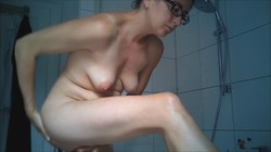 Spying on mature milf in shower