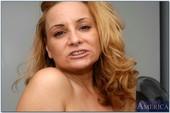Rebecca-Bardoux-My-Friends-Hot-Mom-16s6xs1sae.jpg