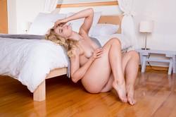 Maya-Rae-in-Bedroom-Belle--46swv58tew.jpg