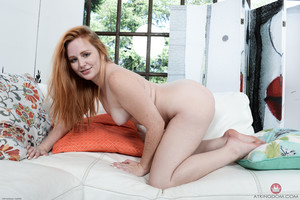 Lucy Foxx - Young and Hairy - Set 353258