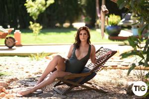 Bonnie Lee - Shooting in Her Bodysuit Outdoors