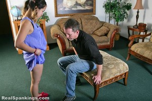 Peaches' Straddle Spanking And Belting (part 1 Of 2) - image3