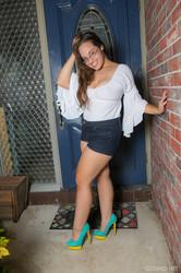 Sophie Barnes - In The Doorway  06r4xwhy57.jpg