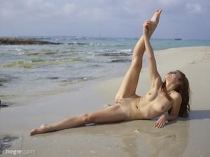 Jenna-Beach-Acrobat--g6sff3okvx.jpg