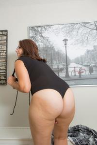 Ivana Bell - Ivana Takes Off Her Bodysuit  q6r6gsxkve.jpg