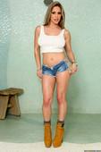 Rachel-Roxxx-Stepsister-Shares-The-Shower-%28solo%29-w6q7puehk6.jpg
