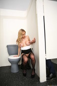 Rachel-Roxxx-Sexy-Secretary-Selfies-%28hardcore%29-w6q7qwf214.jpg