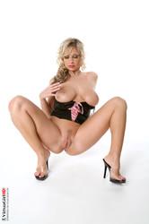 Carol Goldnerova - Bimboland