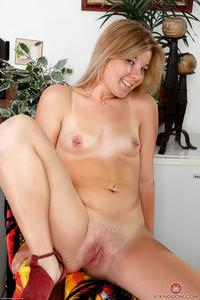 Katie Sloane - Coeds - Set 351417