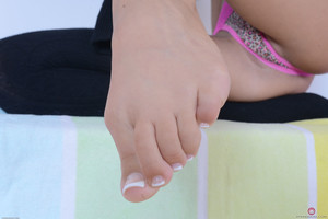 Raquel-Diamond-Footfetish-Set-351532--36s1tj4onw.jpg