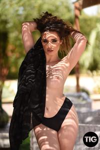 Valis-Volkova-Valis-Volkova-Shooting-in-Sexy-Black-Night-Gown--m6s4xgkj7g.jpg