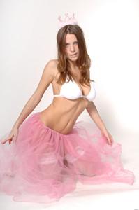 Kayla Bubbles - Princess  q6r7owaiqw.jpg